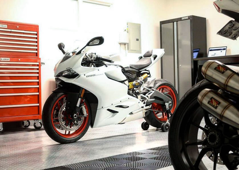 Ducati 899 Panigale in garage with RaceDeck Diamond and Free-Flow
