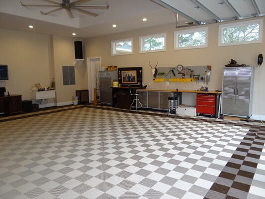 Home garage with Free-Flow XL flooring.
