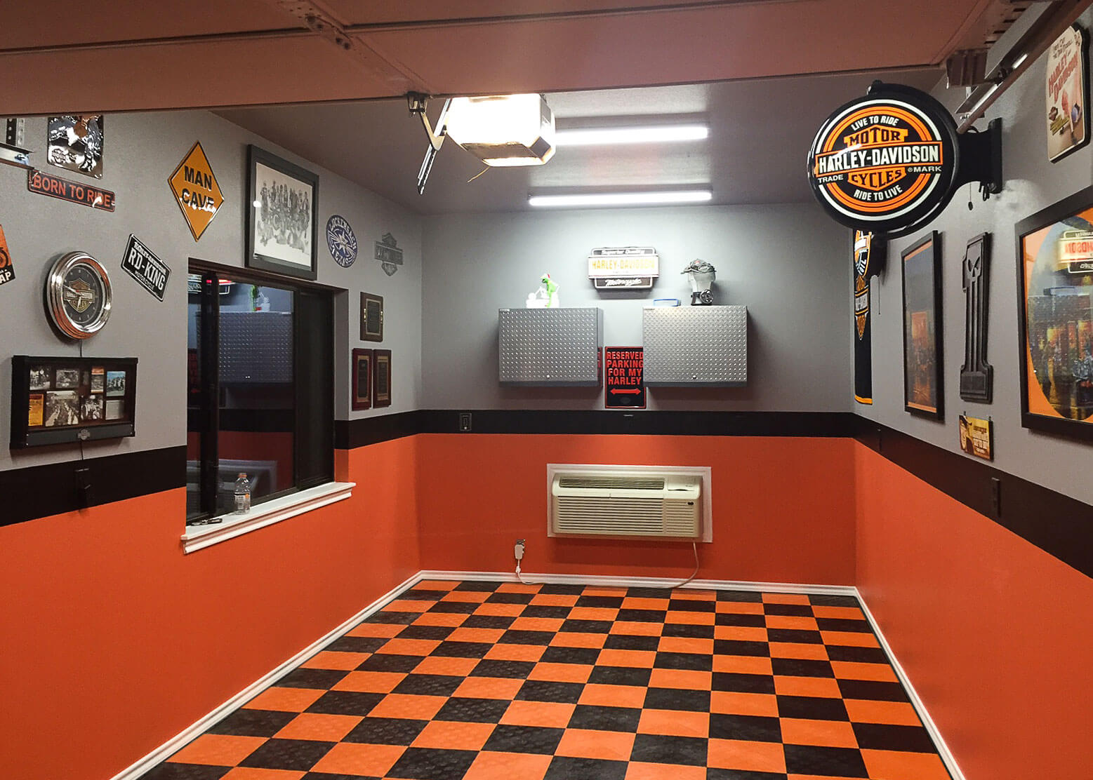 Harley davidson garage flooring a small harley themed garage dailygadgetfo Choice Image
