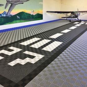 Free-Flow custom design in an airplane hangar