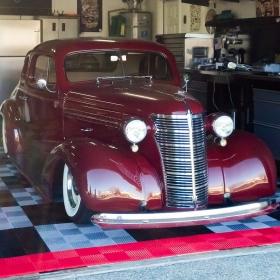 Antique car on Free-Flow garage floor
