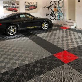 Porsche on an alloy, graphite and red Free-Flow garage floor