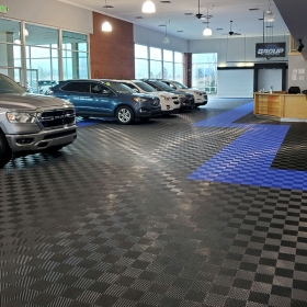 Free-Flow in a car dealership