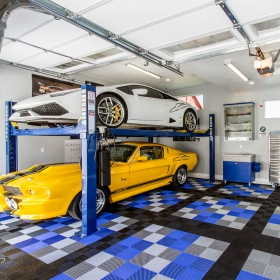 Custom multi-color Free-Flow garage with 2-car lift
