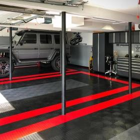 A garage with a Mercedes-Benz G-Class and RaceDeck Diamond flooring.