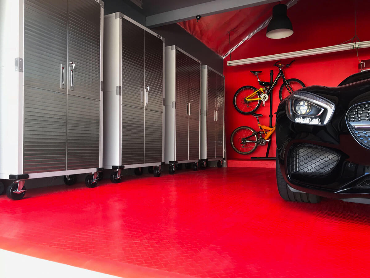 RaceDeck Diamond | garage flooring | shop flooring
