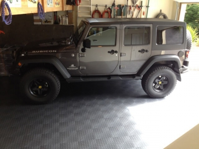 CircleTrac graphite with Jeep