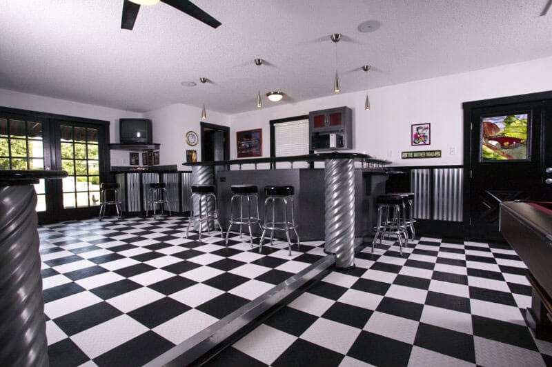 Game room with checkered floor design
