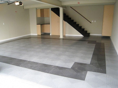 Home garage with RaceDeck Diamond flooring