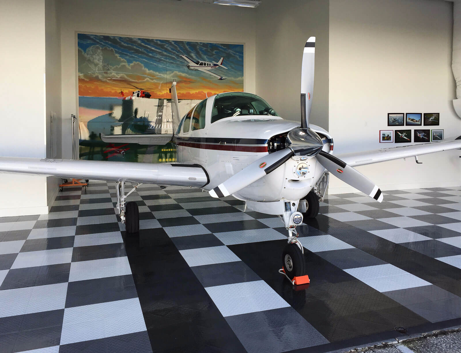 Airplane Hangar Gallery Racedeck