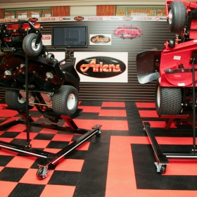 Ariens retail display with RaceDeck Diamond