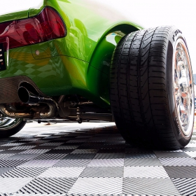 Closeup of Free-Flow flooring at car show