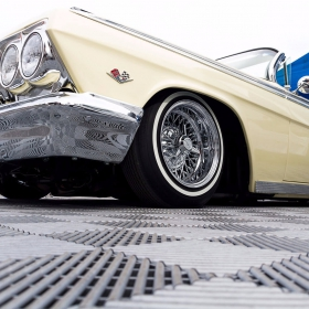 Classic car at show with Free-Flow flooring