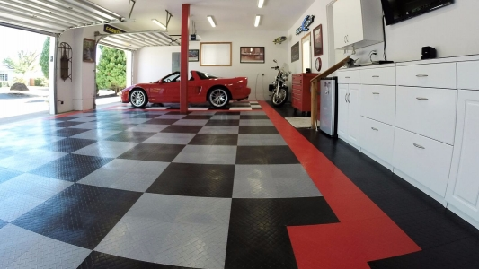 Garage with RaceDeck Diamond red, black, and alloy