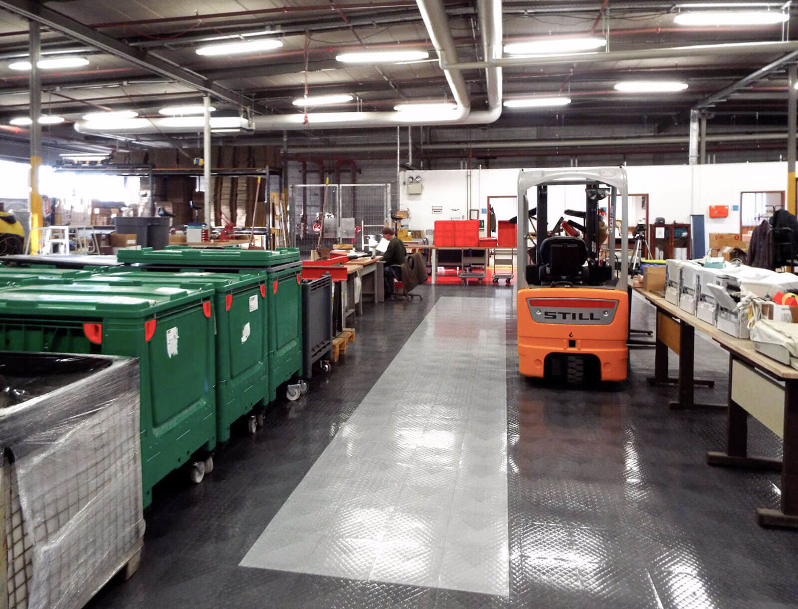 Manufacturing area with RaceDeck Diamond alloy and graphite flooring