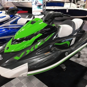 Yamaha Waverunner display with black and white Free-Flow