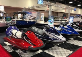Yamaha WaveRunner display with Free-Flow tiles and black edging