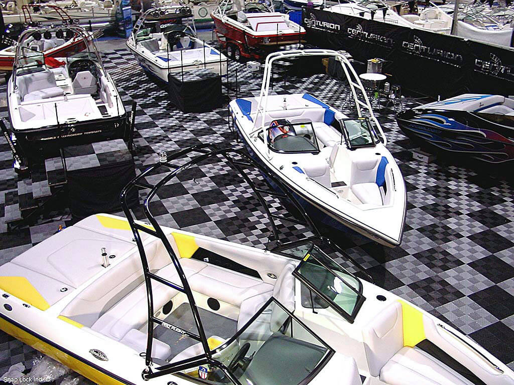 Boats on display with self-draining Free-Flow in black and alloy.