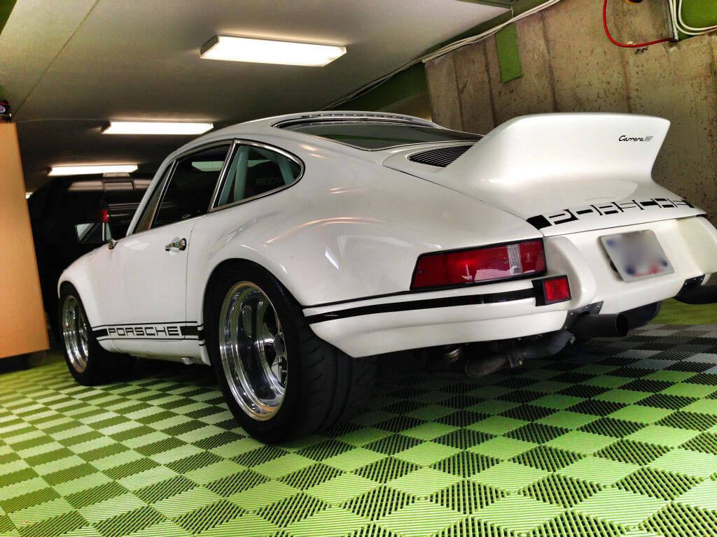 Porsche Carrera on Sublime Free-Flow flooring.