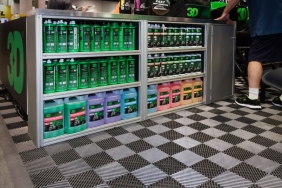 3D car care products display