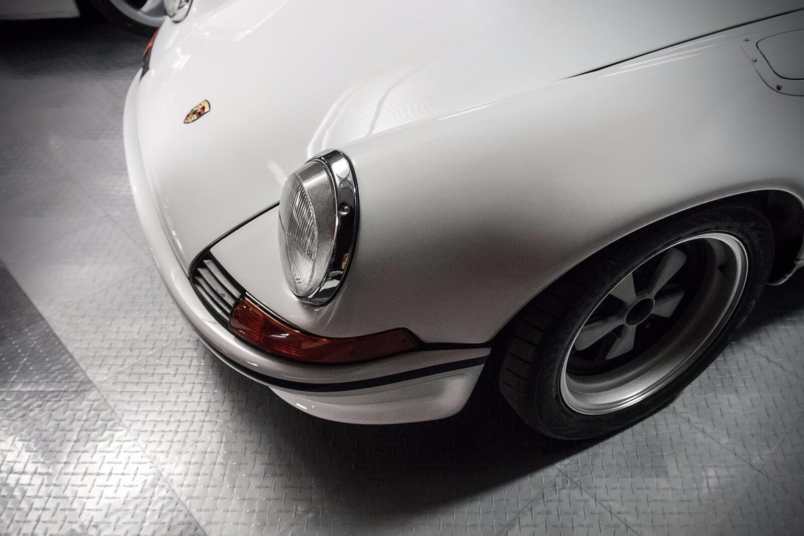 Vintage Porsche on RaceDeck Diamond