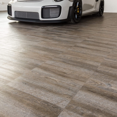 Another view of the Porsche GT2 RS on the Smoked Oak flooring.