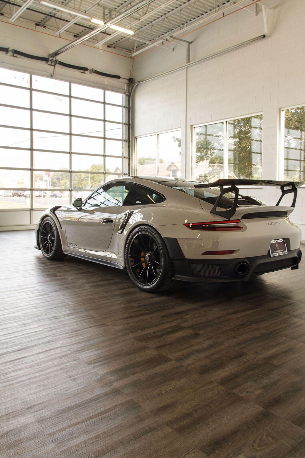 A Porsche GT2 RS at the Luxe Auto Spa.