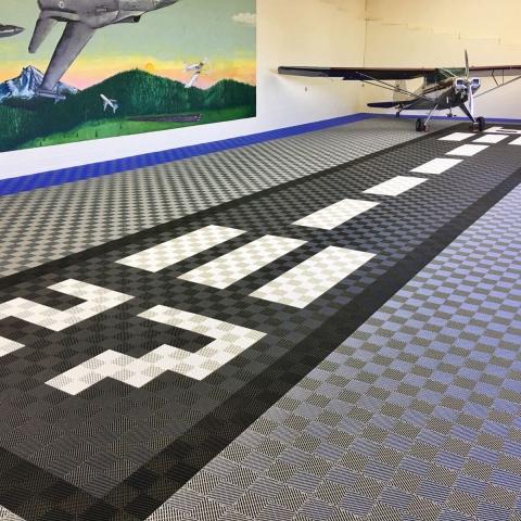 Free-Flow Airplane Hangar