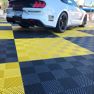Roush Drift Mustang Free-Flow outdoor presentation