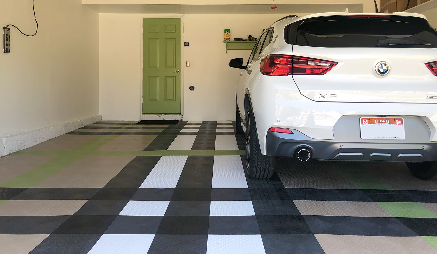 DIY Flooring: RaceDeck Diamond multicolor design