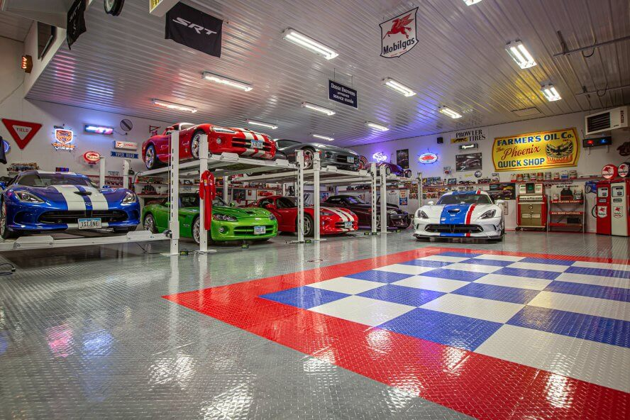 Ted Pacha - Tuffshield Diamond high-gloss flooring in the garage