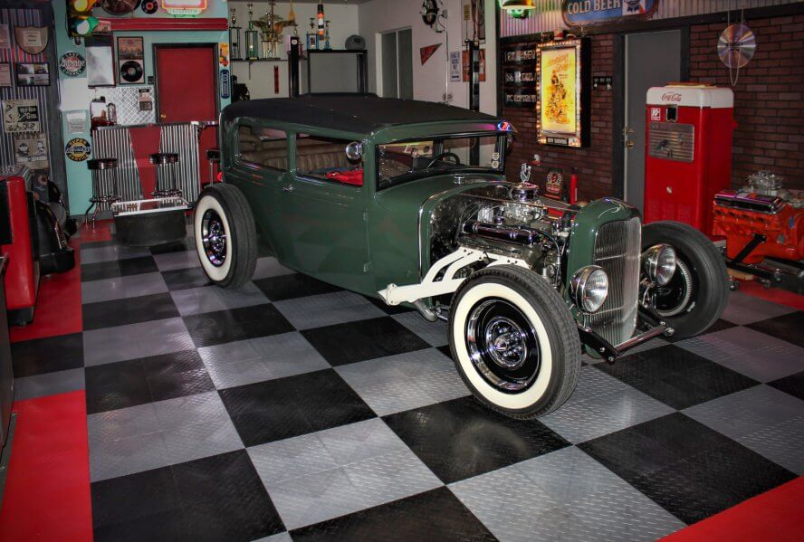 Tony Dekellis - Green vintage rat rod