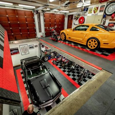 Saleen Ford Mustand in Iceland Garage