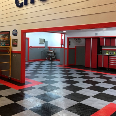Darryl Clark's RaceDeck Diamond Garage