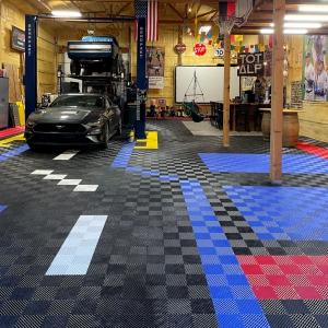 Matthew's multicolor Free-Flow garage